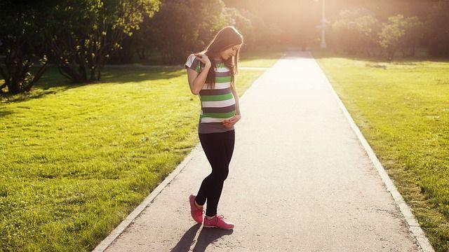embarazada-caminando