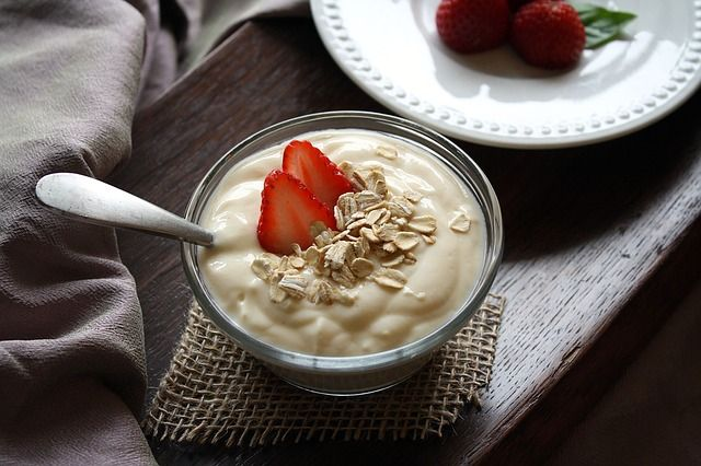 yogurt-con-avena-y-fresas